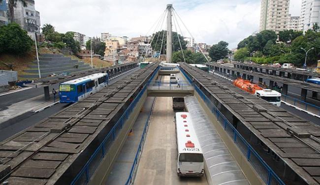 Usuários do transporte público de Salvador contarão com mais de 170 opções - Foto: Raul Spinassé   Ag. A TARDE