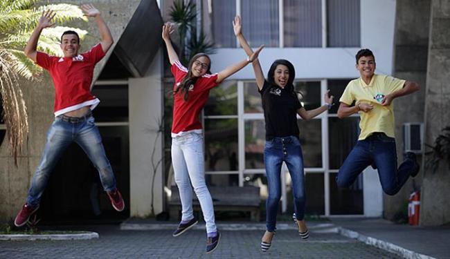 Abne (E), Maria Vanúbia, Estefane e Marcos Felipe passaram 10 dias na Europa - Foto: Raul Spinassé l Ag. A TARDE