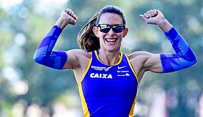 Atleta celebra ótimo resultado - Foto: Divulgação | CBat