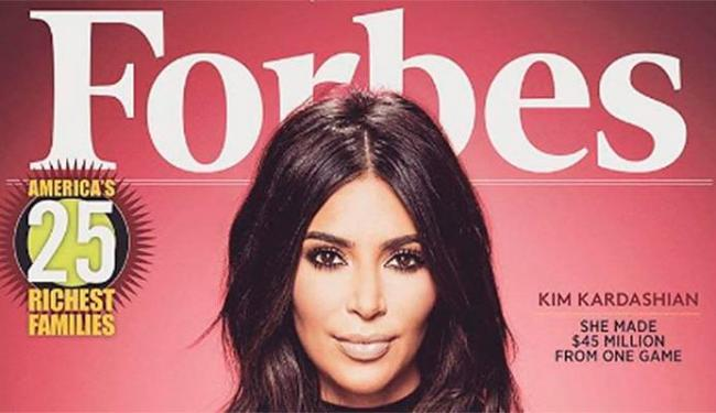 Kim Kardashian postou a capa no Facebook - Foto: Forbes