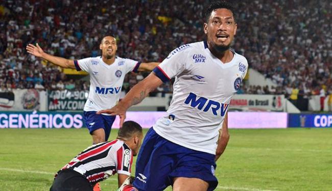 Hernane é o artilheiro do Bahia na temporada, com 15 gols em 24 partidas - Foto: Ademar Filho | Futura Press | Estadão Conteúdo
