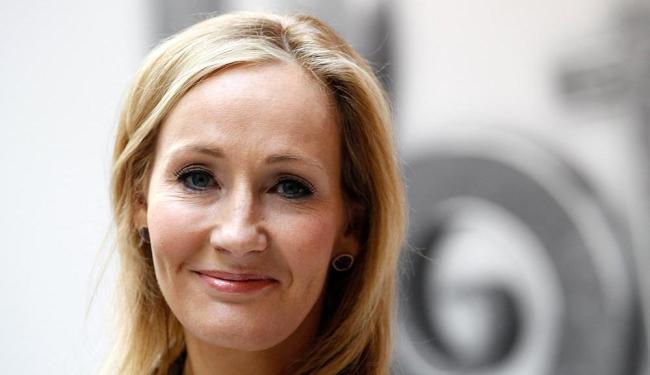 JK Rowling escreveu a peça teatral cujo roteiro foi transformado em livro - Foto: Suzanne Plunkett | Agência Reuters