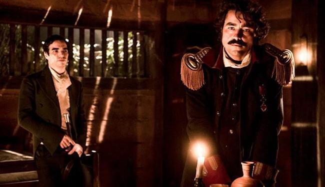 André (Caio Blat) e o coronel Tolentino (Ricardo Pereira ) vivem uma paixão proibida - Foto: Divulgação