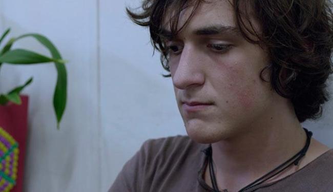 Pierre (Naomi Nero), como a maioria dos jovens de 17 anos, está em crise, em fase de transição - Foto: Divulgação