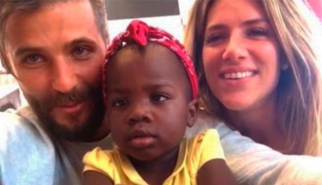 Bruno Gagliasson e Giovana Ewbank adotaram Chissomo, de 2 anos - Foto: Reprodução | Instagram