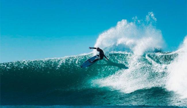 Surfe de Mick Fanning - Foto: Reprodução | Instagram