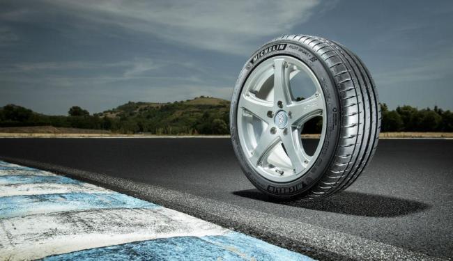 Pneu Michelin Pilot Sport 4 - Foto: Divulgação