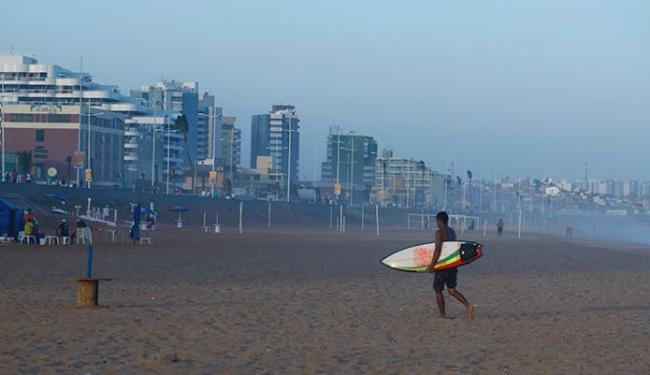 A praia de Armação é uma das impróprias para banho - Foto: Fernando Vivas | Ag. A TARDE