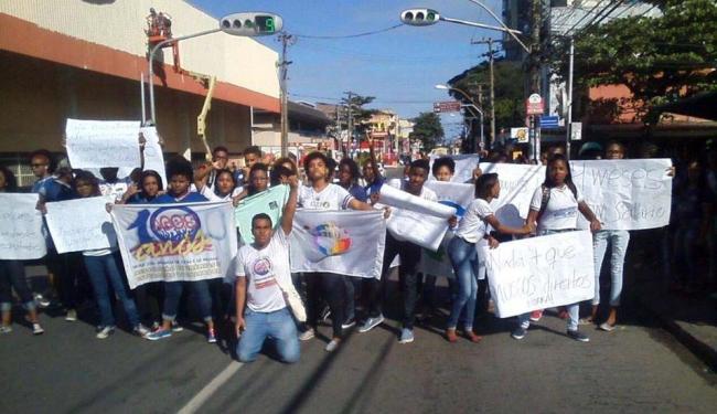Estudantes ocuparam a via em protesto na manhã desta quarta-feira - Foto: Divulgação | Ages Salvador | Facebook