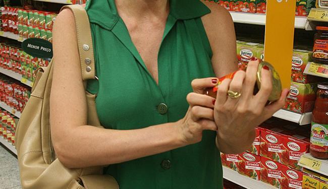 Lei que obriga listar alergênicos nos rótulos de alimentos entrou em vigor nesta quarta-feira, 20 - Foto: Rejane Carneiro   Ag. A TARDE l 10.10.2007