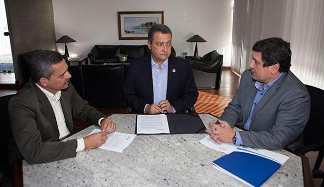 Rui reuniu-se com Rogério Cedraz (D) e Claudevani Leite (E), prefeito de Itabuna - Foto: Mateus Pereira l Gov-BA