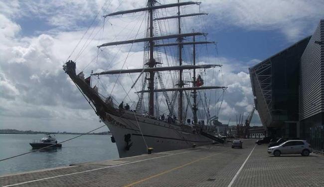 Embarcação fica atracada em Salvador até dia 28, quando segue viagem para o Rio de Janeiro - Foto: Vitor Hugo   Divulgação