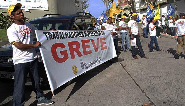 Os atos em frente aos hotéis acontecem desde o dia 6 de julho - Foto: Sindhotéis / Divulgação