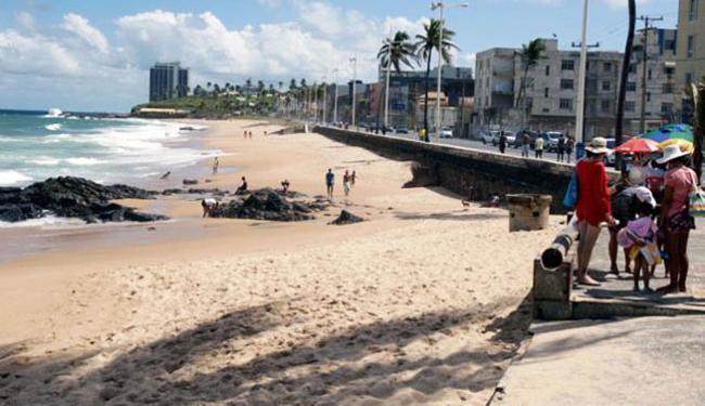 Trecho da praia do Rio Vernelho foi considerada imprópria - Foto: Fernando Amorim l Ag. A TARDE