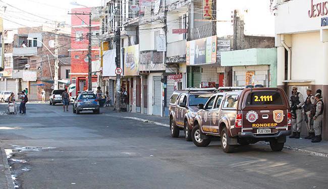 Segundo PM, comércio e trânsito no bairro funcionam normalmente - Foto: Mila Cordeiro/ Ag. A TARDE