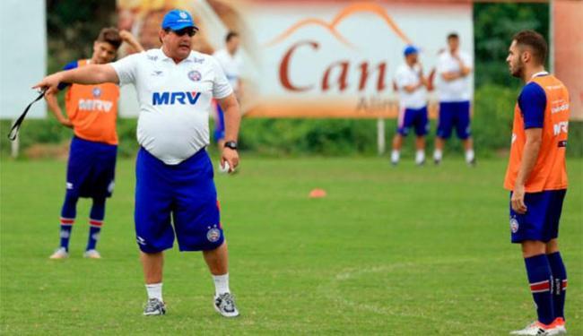 Troca de passes entre setores foi focado no treinamento desta terça - Foto: Felipe Oliveira   E.C.Bahia
