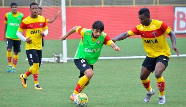 Finalização e posse de bola foram as atividades realizadas nesta sexta, no Barradão - Foto: Francisco Galvão   E.C.Vitória