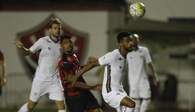 Kieza e ataque do Vitória pararam em goleiro do Fluminense - Foto: Lúcio Távora | Ag. A TARDE