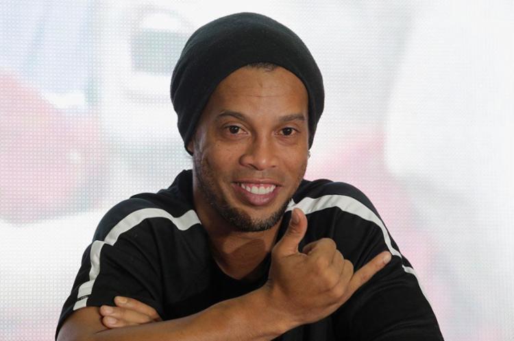 Ronaldinho, de 37 anos, foi escolhido o melhor jogador do mundo em 2004 e 2005 - Foto: Saul Martinez | Reuters