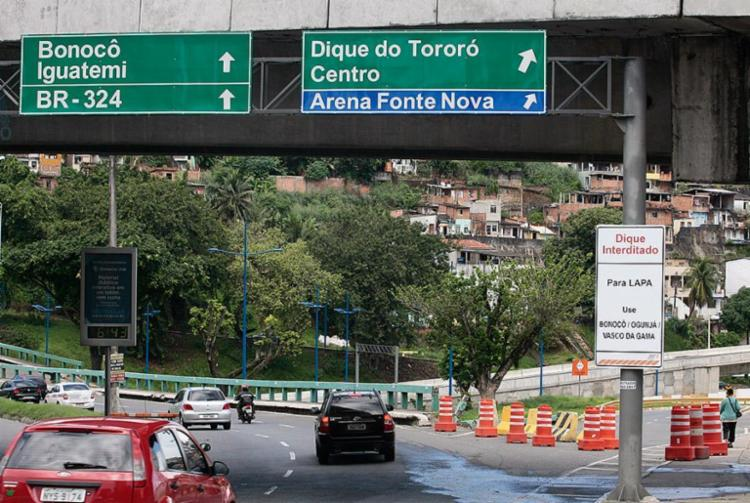 Trânsito é interditado nas imediações Fonte Nova - Foto: Mila Cordeiro l Ag. A TARDE l 3.6.2013