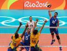 Brasil perde mais uma no vôlei masculino e se complica - Foto: Yves Herman   Reuters