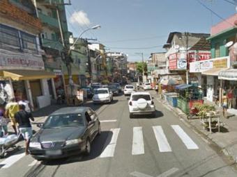 Vítima estava inconsciente sob o solo - Foto: Reprodução | Google Maps
