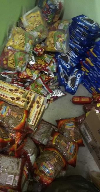 Alimentos foram apreendidos em feira livre no Centro da cidade - Foto: Ascom | Polícia Civil
