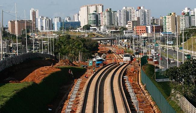 Na Paralela, as primeiras estações (Imbuí e CAB) estão na etapa final de acabamento - Foto: Mila Cordeiro l Ag. A TARDE