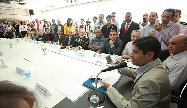 ACM Neto anunciou decreto para líderes religiosos durante cerimônia nesta terça-feira, 23 - Foto: Joá Souza l Ag. A TARDE