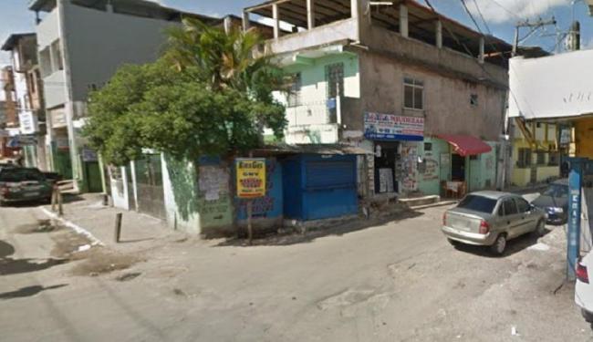 Adolescente foi alvejado na rua 2 de Outubro, na Baixa do Fiscal - Foto: Reprodução   Google Maps