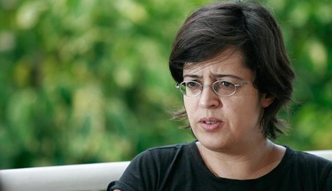 A poeta gaúcha Angélica Freitas estará à frente da primeira oficina do projeto literário - Foto: Raul Spinassé | Ag. A TARDE