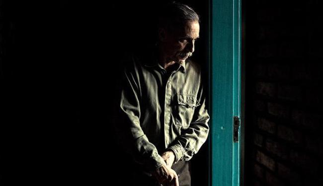 O ator Antonio Fábio na peça que estreia nesta quarta no VIla - Foto: Uendel Galter | Divulgação