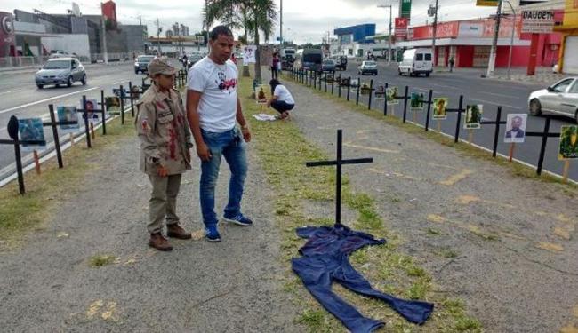 O ato tem o intuito de chamar atenção para o alto índice de policiais assassinados na Bahia - Foto: Paulo José | Acorda Cidade