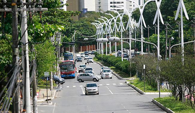 Intervenções ao longo da Av. ACM visam melhorar a fluidez do trânsito no local - Foto: Joá Souza l Ag. A TARDE