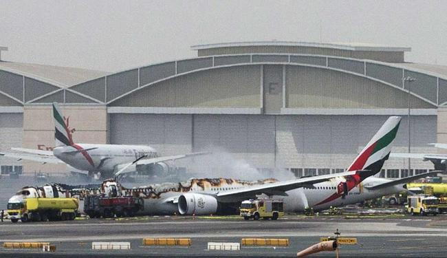 Avião pega fogo no ar e faz pouso de emergência em Dubai