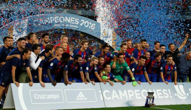 Ganso começou como titular, mas o Sevilla não conseguiu vencer o Barcelona - Foto: Albert Gea   Reuters