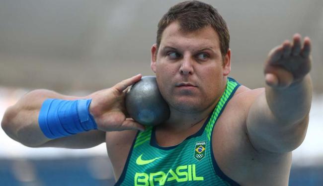 Brasileiro Darlan Romani quebra recorde nacional e vai à final do arremesso de peso - Foto: Kai Pfaffenbach | Agência Reuters