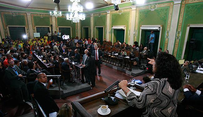 Apesar do debate acalorado e voto artigo por artigo, Louos foi aprovada na íntegra - Foto: Mila Cordeiro l Ag. A TARDE