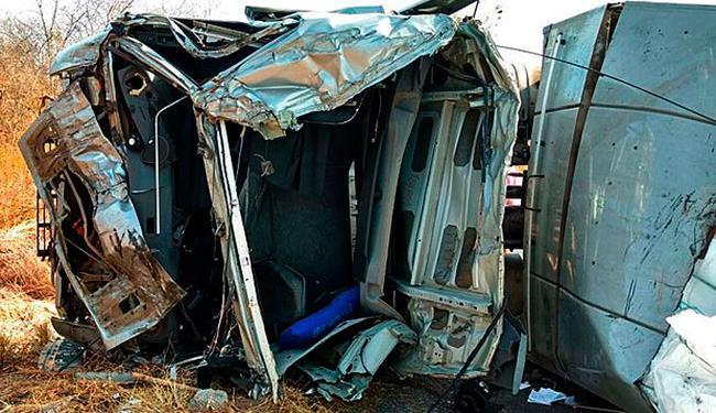 Acidente aconteceu na manhã deste domingo - Foto: Blog do Sigi Vilares