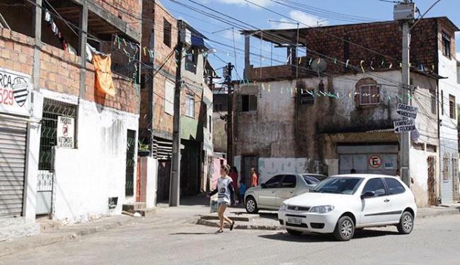 No Bate Facho, onde o crime foi cometido, moradores preferem não falar sobre o assunto - Foto: Edilson Lima   Ag. A TARDE