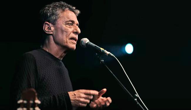 Entre os artistas presente, o cantor e compositor Chico Buarque - Foto: Reprodução