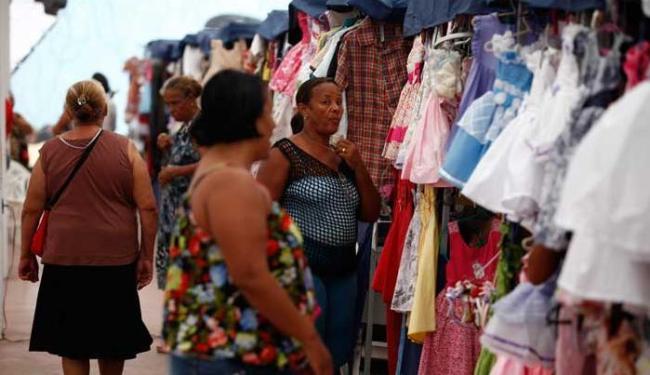 A tendência é de que o número de trabalhadores informais continue crescendo - Foto: Joá Souza   Ag. A TARDE