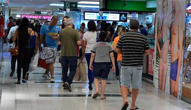 A venda para o período terá uma queda de faturamento de 9,4%, segundo a CNC - Foto: Valter Campanato/Agência Brasil