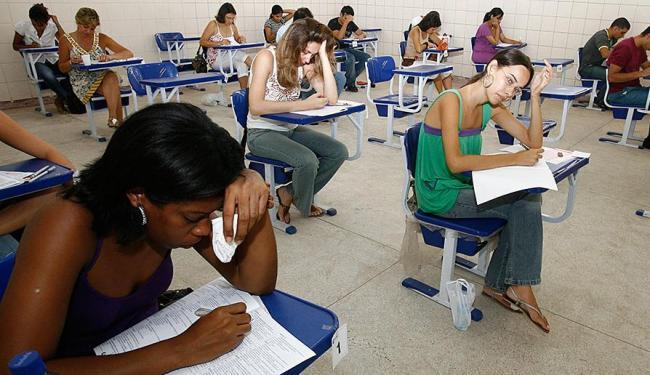 Os candidatos das vagas destinadas a cotistas deverão se apresentar pessoalmente - Foto: Rejane Carneiro | Ag. A TARDE | 20.01.2008