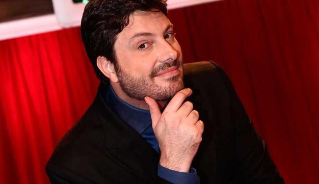 Apresentador será o convidado de Talk show de Tatá Werneck - Foto: Roberto Nenamis | SBT