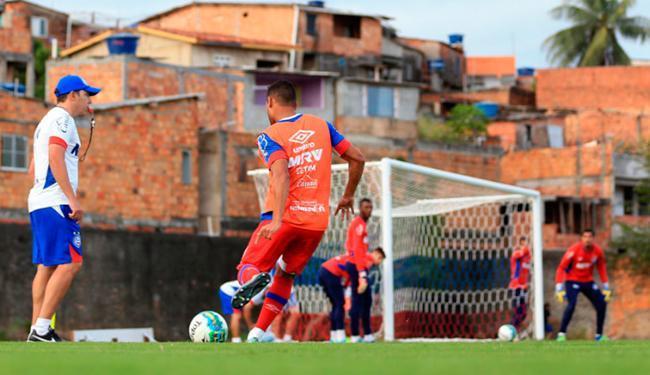 A equipe fez um treino intenso de cruzamentos nesta quinta-feira, 25 - Foto: Felipe Oliveira | EC Bahia