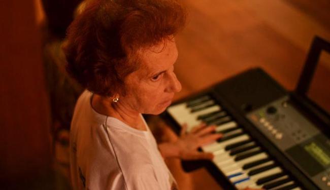 Emília Biancardi: coleção de instrumentos da etnomusicóloga foi o ponto de partida do filme - Foto: Bárbara Jardim | Ag. A TARDE
