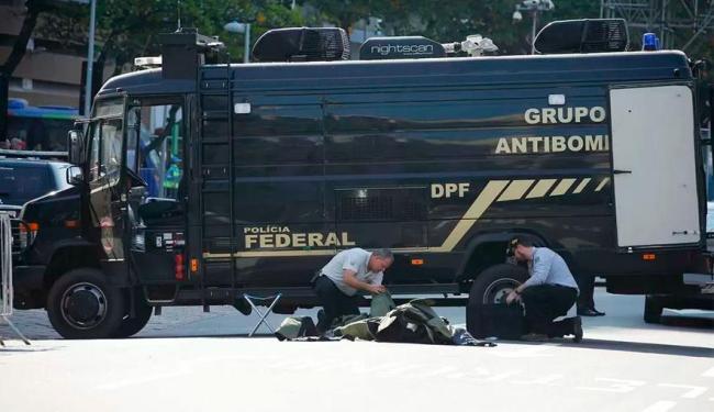 Polícia acredita que mochila era de morador de rua - Foto: Agência Reuters