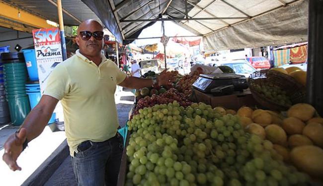 Veterano, Pedro diz que novos vendedores apareceram de olho no novo mercado - Foto: Joá Souza l Ag. A TARDE