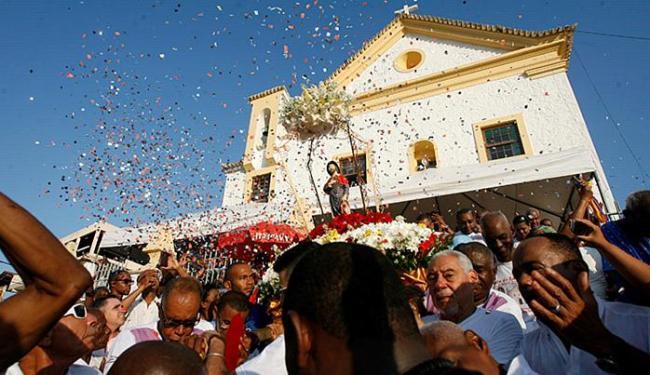 Procissão pelas ruas da Federação marcou celebrações ao protetor dos enfermos - Foto: Adilton Venegeroles l Ag. A TARDE